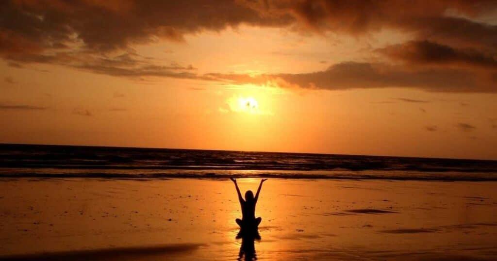 kvinna solnedgång